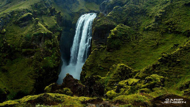 Iceland-a-very-wet-place-between-thorsmork-and-skogar
