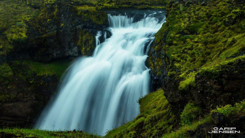 Iceland-near-skogar-waterfalls