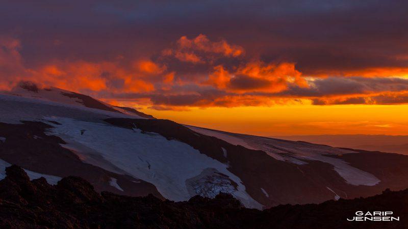 Iceland-sunset-volcano-thorsmork