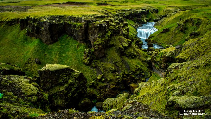 Iceland-waterfall-thorsmork-skogar