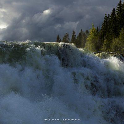 detail-of-tännforsen-the-biggest-waterfall-of-Sweden