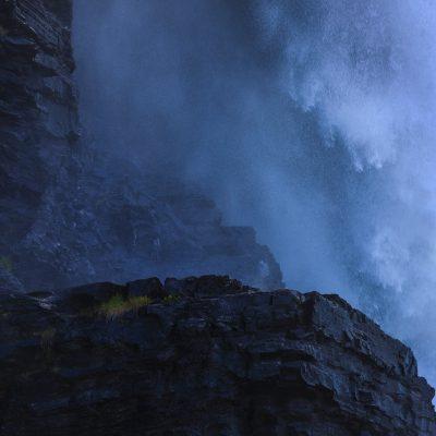 tännforsen-biggest-waterfall-of-Sweden-close-up