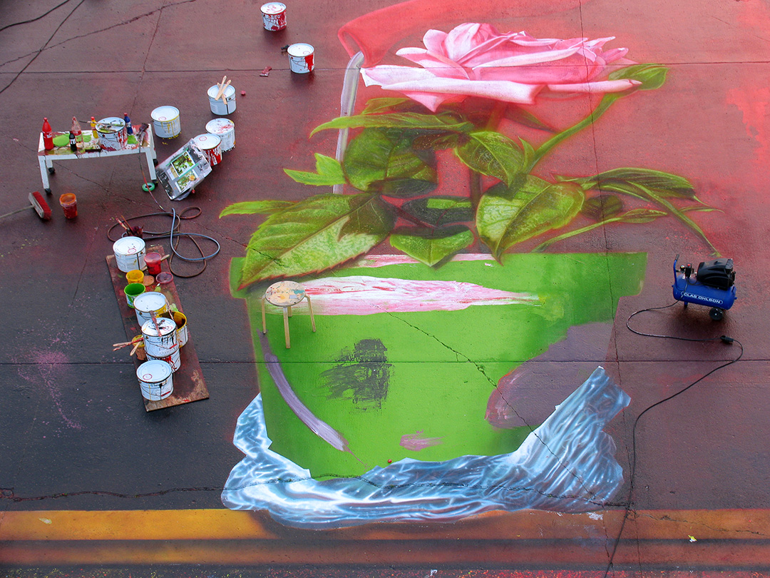 """Closeup details of """"the pot"""" in """"the big picture"""" - a 500 sqm painting at Västerås Airport in Sweden, in progress, created by the Swedish artist Garip Jensen"""